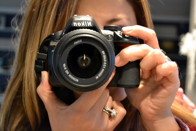 Ashley Stock and her camera - Tips for writing a blog