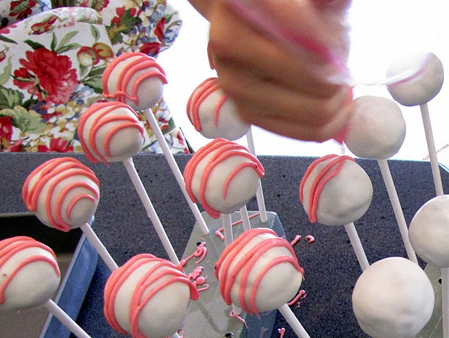 Frosted cake pops