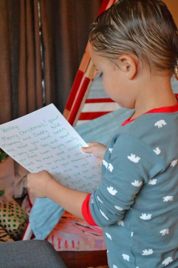 reading santa note