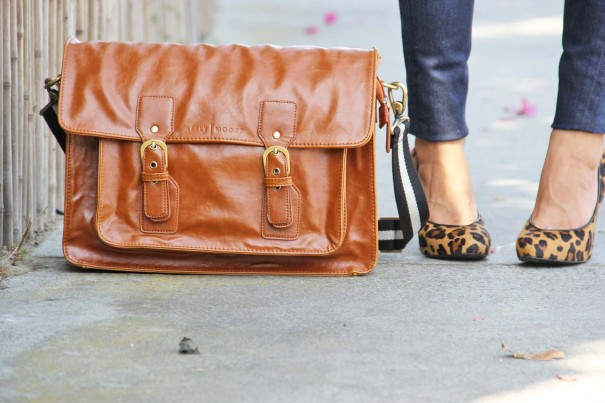 kelly moore leather bag picture
