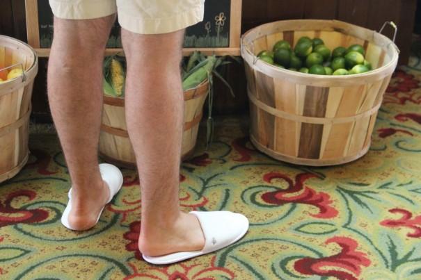 random guy in fs slippers at brunch