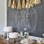 gold dessert table decor