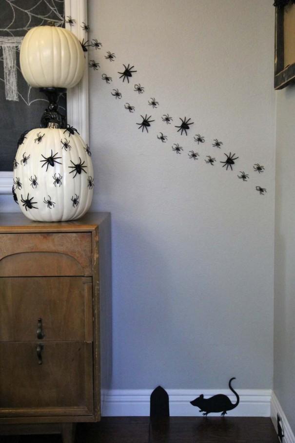 spider wall halloween