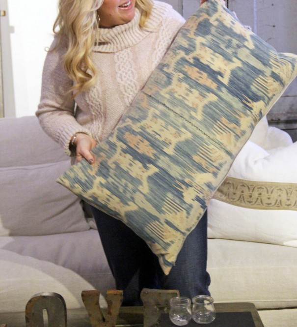 vintage pillow giveaway