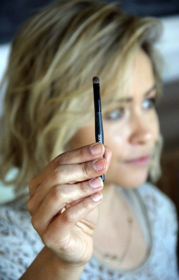 eye liner smudge brush