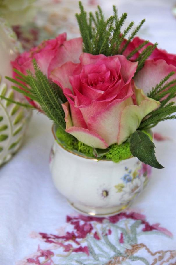 roses tea cups