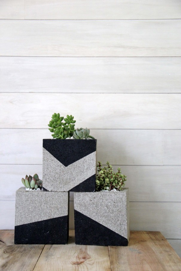 Fantastic DIY Painted Cinder Block Planters MZ69