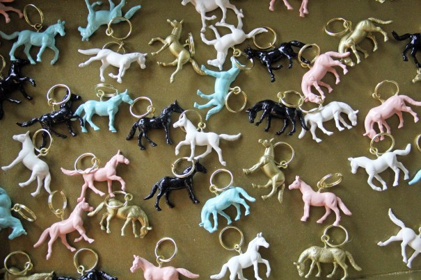 cass shower painted horse key chain